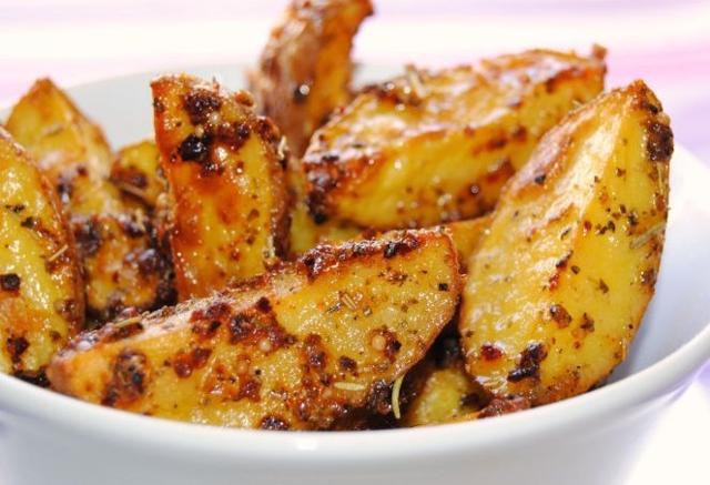 Patatas bravas asadas al horno