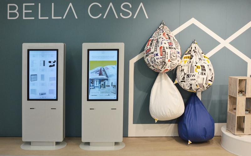 totem i-Wall® corner shop  Bella Casa