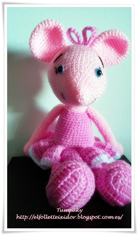Pin by Sarah Schmidt on Quilting&sewing | Crochet mouse, Crochet ... | 945x556
