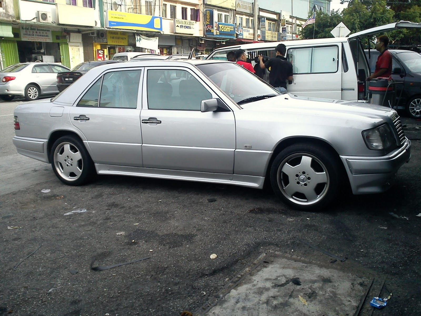 Motoring-Malaysia: An Update On The 1990 W124 Mercedes Benz 200e