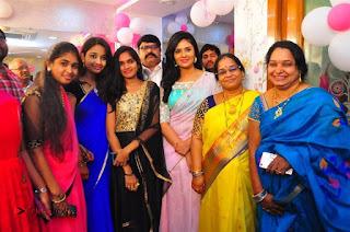 Sreemukhi Launches Manvis Saloon  0052.jpg