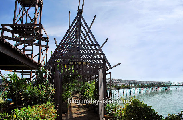 Walkway at Kapalai Island Resort