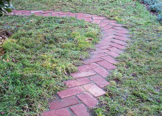 Herringbone Garden Brick Garden Path www.vintagebricks.com