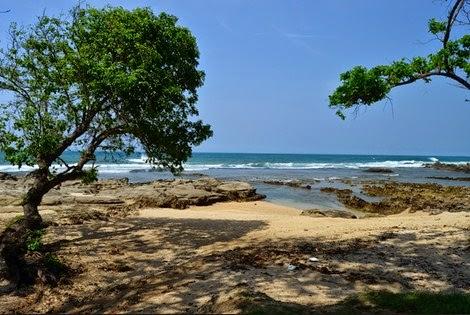 wisata pantai tanjung lesung di banten