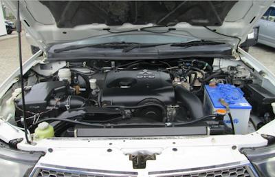 Foto Mitsubishi Strada Triton 2.5 Liter