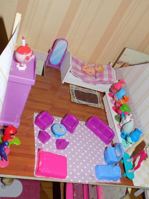 dolls bathroom