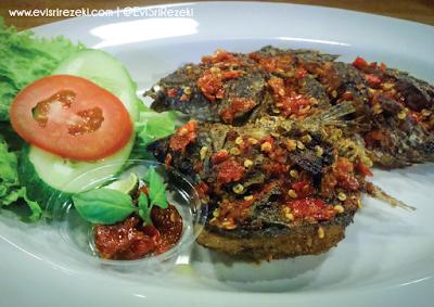 Ayam Cacah: Sensasi Kuliner Khas Lombok