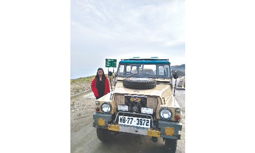 Darjeeling's Samantha Dong becomes first lady Land Rovers instructor