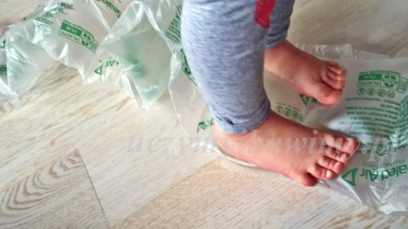 sensorycznie - stopy i dotyk