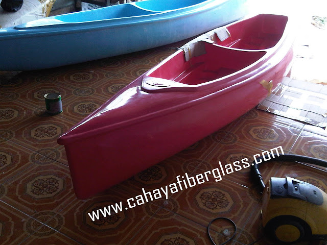 perahu kano bahan fiber glass