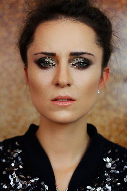 makijaż z sztucznymi rzęsami