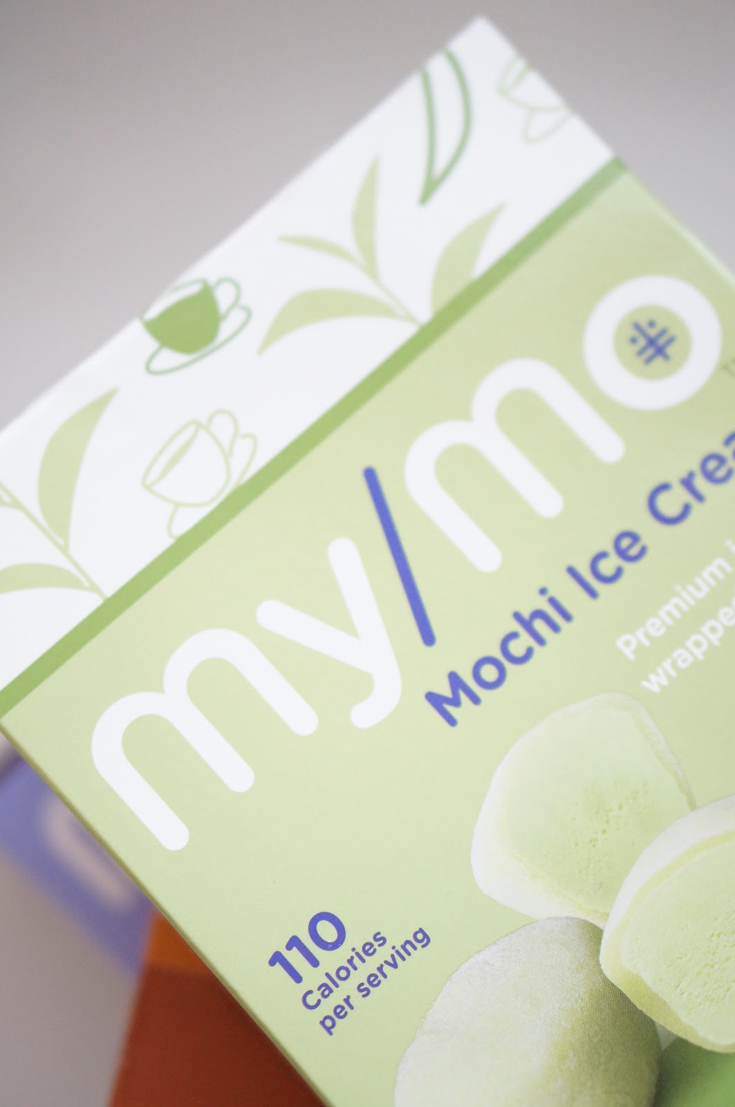 Popular North Carolina style blogger shares how she is snacking this summer with My/Mo Mochi Ice Cream. Click here to read about this delicious snack!