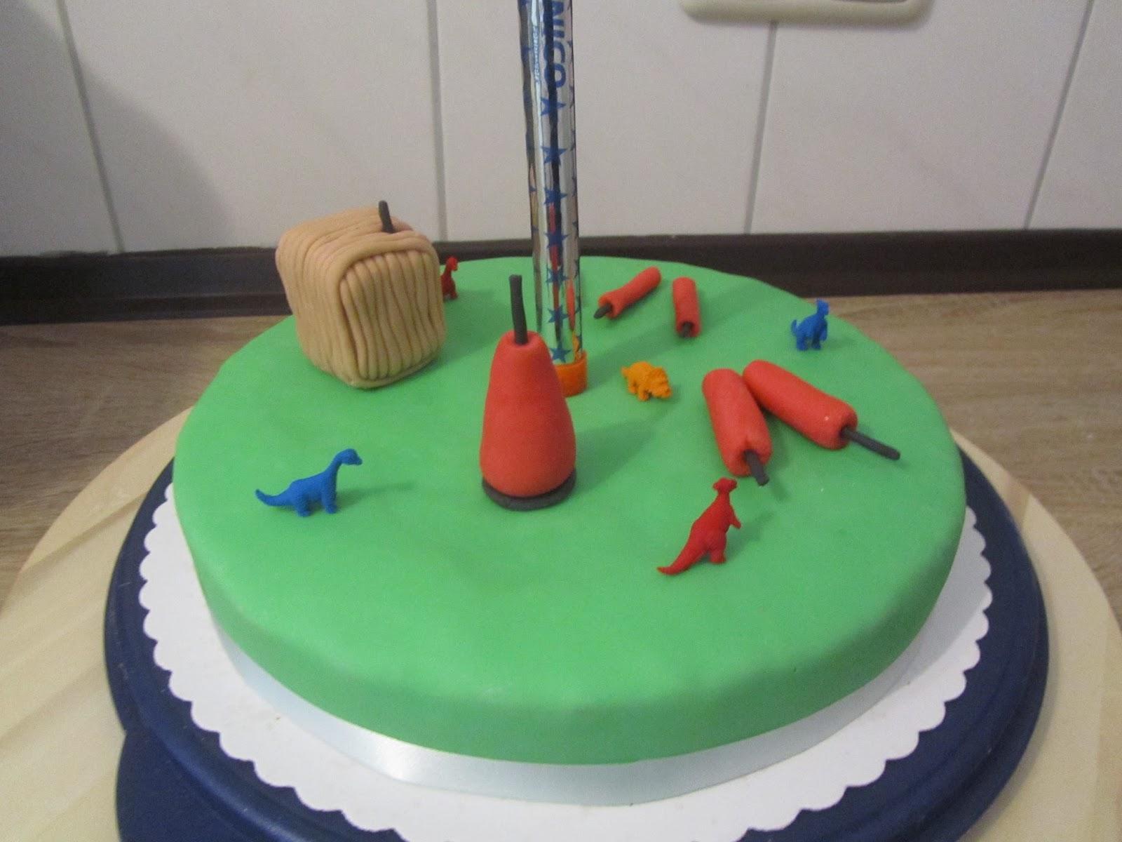 Geburtstags Knaller Torte Mit Dinos Anke S Torten Wunsch