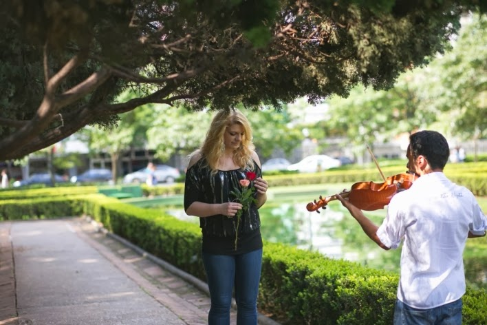 pedido-casamento-surpresa-praça-liberdade-violino