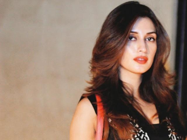 बला की खूबसूरत हैं पाकिस्तान की ये एक्ट्रेसेस  - newsonfloor.com
