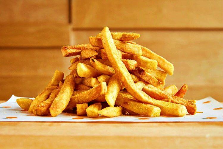 Patates kızartması gerçekte Fransızlara ait değildir, bir Belçikalı tarafından keşfedilmiştir.