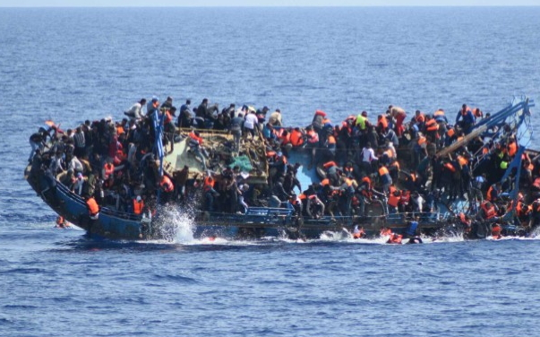 overcrowded migrant ship sink libya