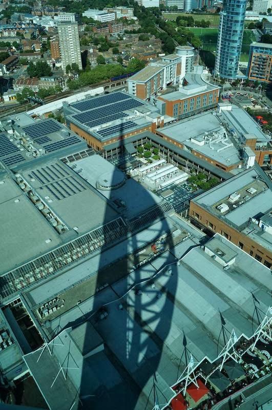 sombra, shadow, Spinnaker tower, torre Spinnaker, torre de Portsmouth, la torre forma de vela, torres de Inglaterra