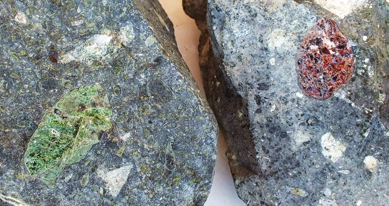 Diamond Indicator Minerals Chromian Diopside To The Left And Pyrope Garnet To The Right In Sloan Kimberlite Specimens