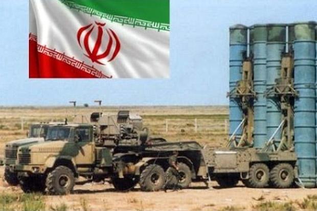 Iran Tempatkan Sistem Rudal S-300 di Pangkalan Militer