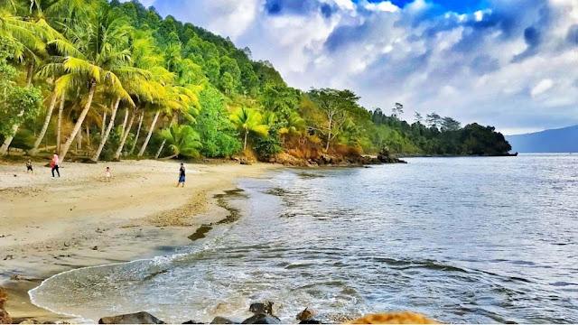 Pantai Pasir Putih 2 Trenggalek