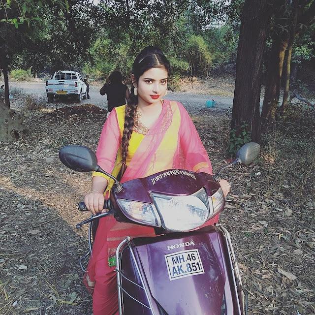 Bhojpuri heroine Priyanka Maharaj hot look