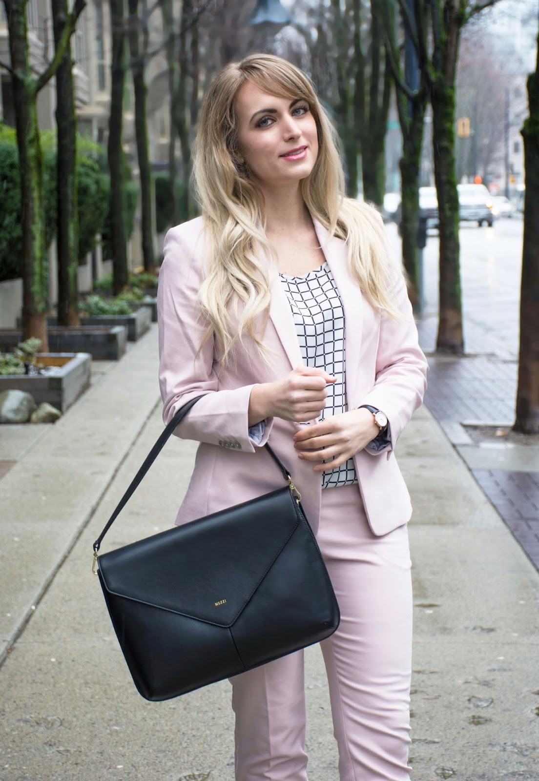 how to style a light pink suit