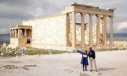 kare-kare-o-barak-ompama-stin-akropoli