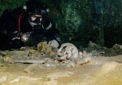Goa Bawah Air Terpanjang di Dunia dan Jejak Suku Maya