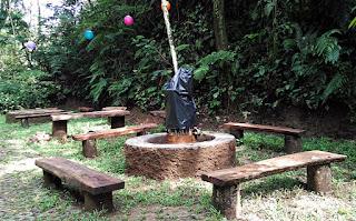 Tempat api unggun - Taman Safari Lodge