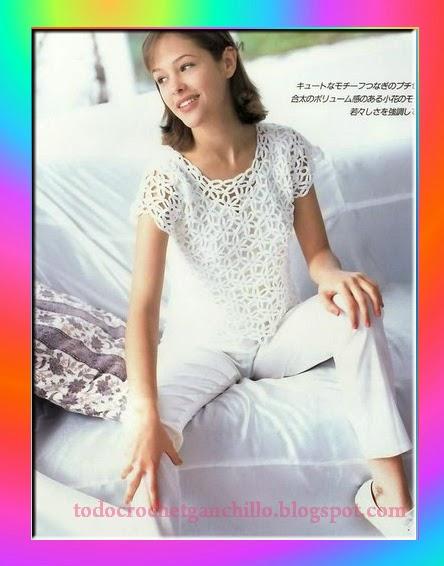 Blusa delicada con diseño calado al crochet