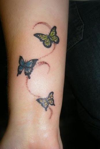 Pequeno Três Amarelo, Verde e Azul Borboletas Tatuagem