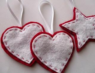 palline di natale in panno a forma di cuore