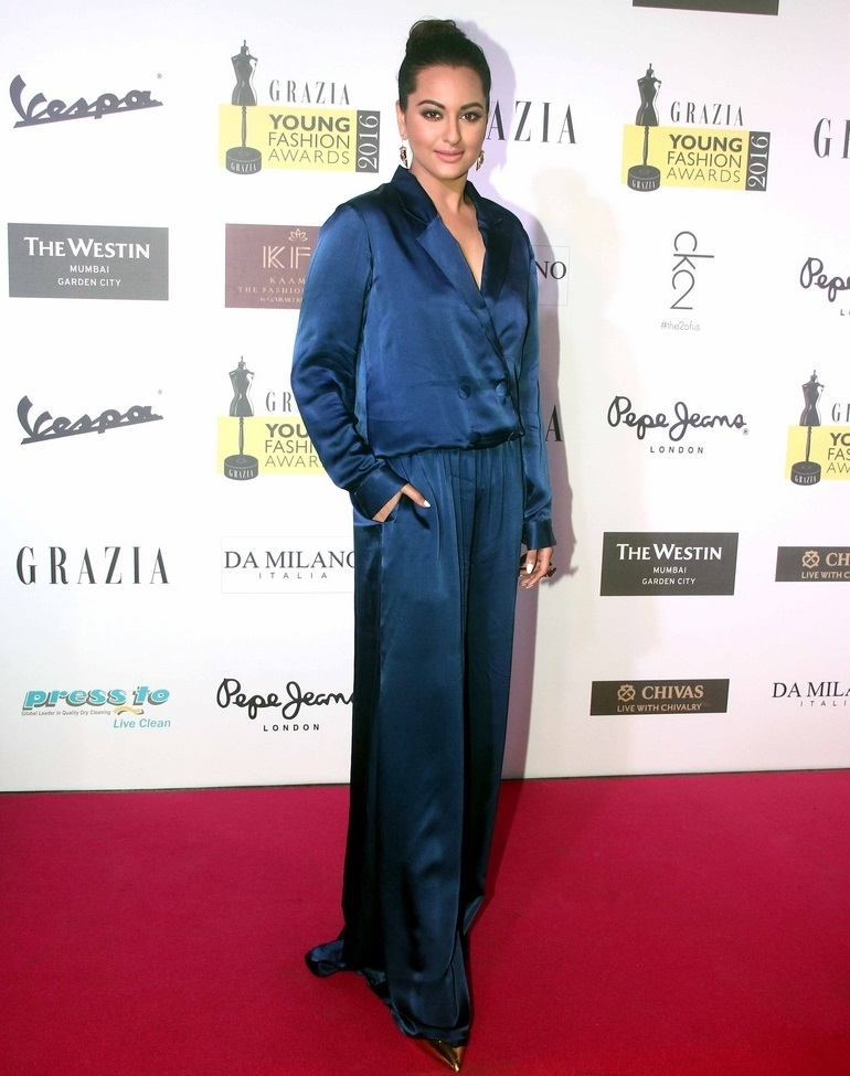 Actress Sonakshi Sinha In Blue Dress At Grazia Young Fashion Awards 2016