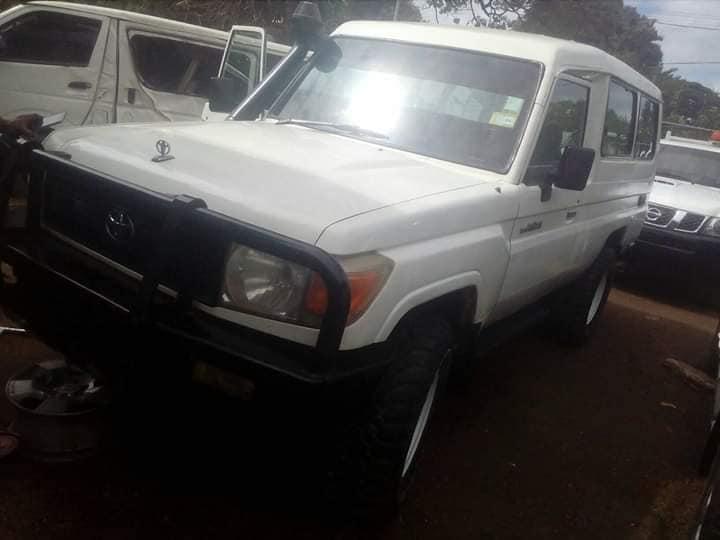 Toyota  Landcuiser 10 seater on sale