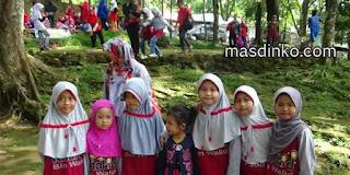 Liburan Keluarga Taman Wisata Alam Linggarjati Kuningan Jawa Barat