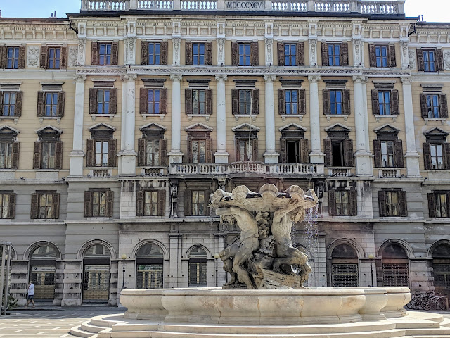 What to see in Trieste: ornate facades and fountains