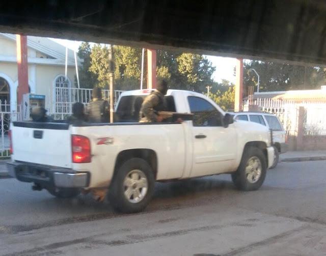 Fotografías y Vídeos Hay Guerra Chapos vs Damasos andan 15 camionetas repletas de sicarios