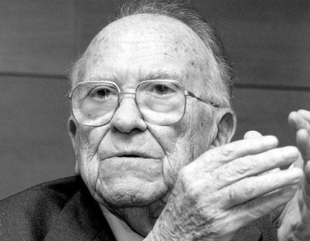 Muere Santiago Carrillo, a los 97 años