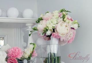 bukiet ślubny róż pudrowy