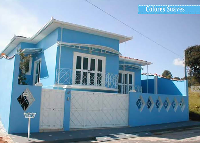 Fotos de fachadas de casas para pintar for De que color pintar la casa