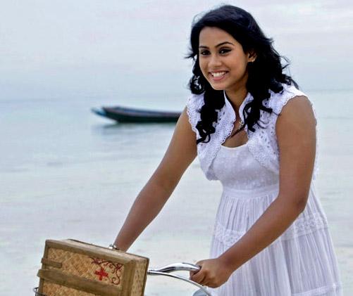 Actress Latest Photos: Kadali Movie Actress Thulasi Nair
