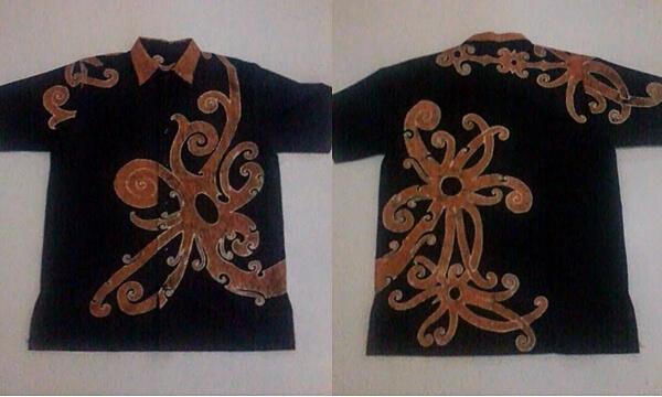 Baju Batik Motif Dayak