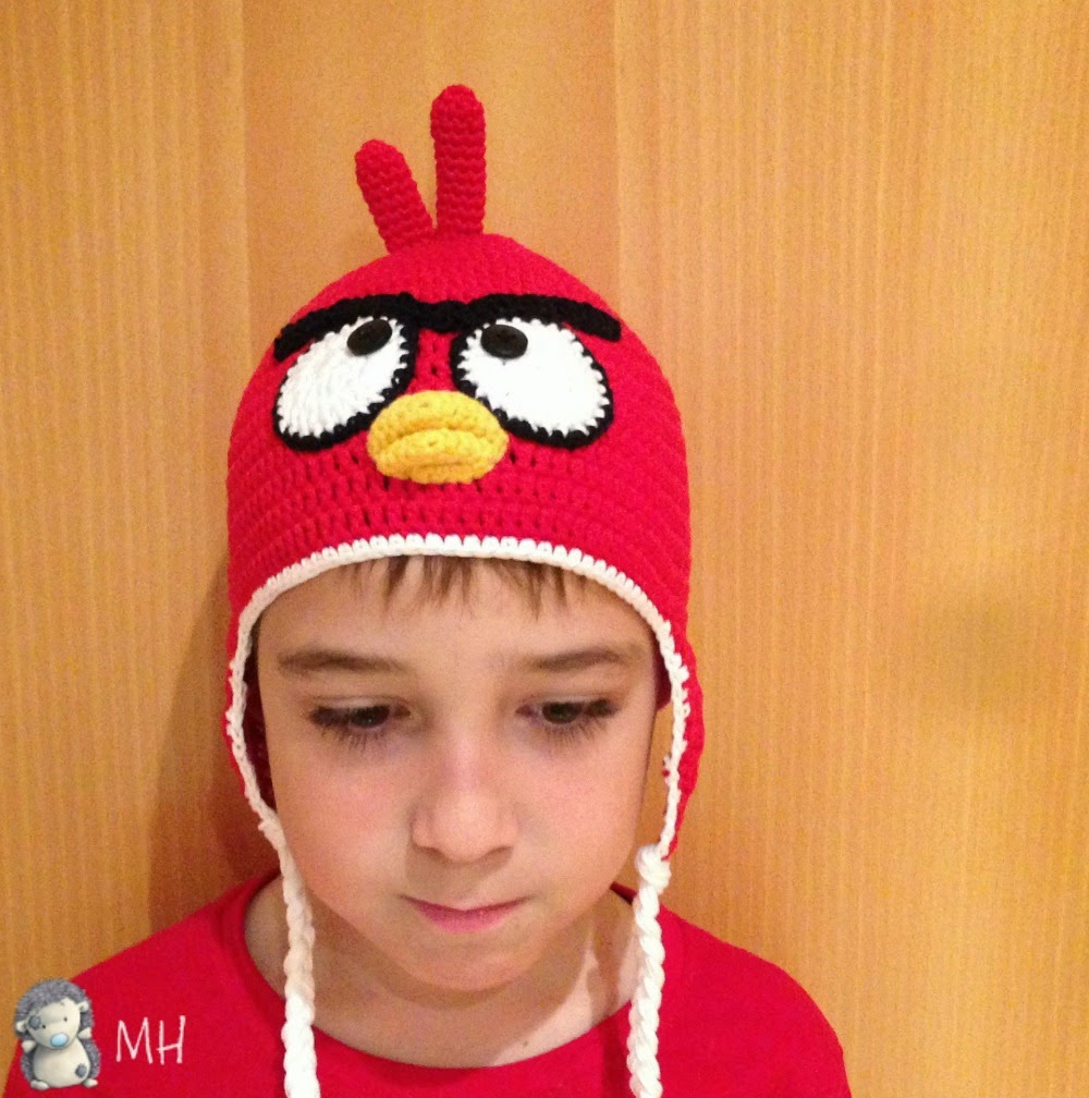 Gorro a crochet Angry Bird rojo