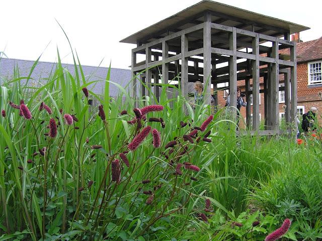 nowoczesna drewniana altana