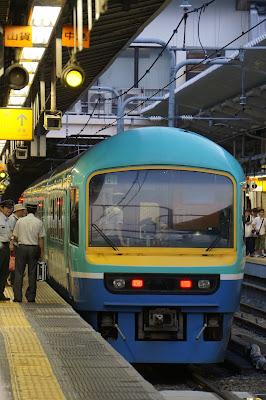 新宿駅停車中の485系ニューなのはな
