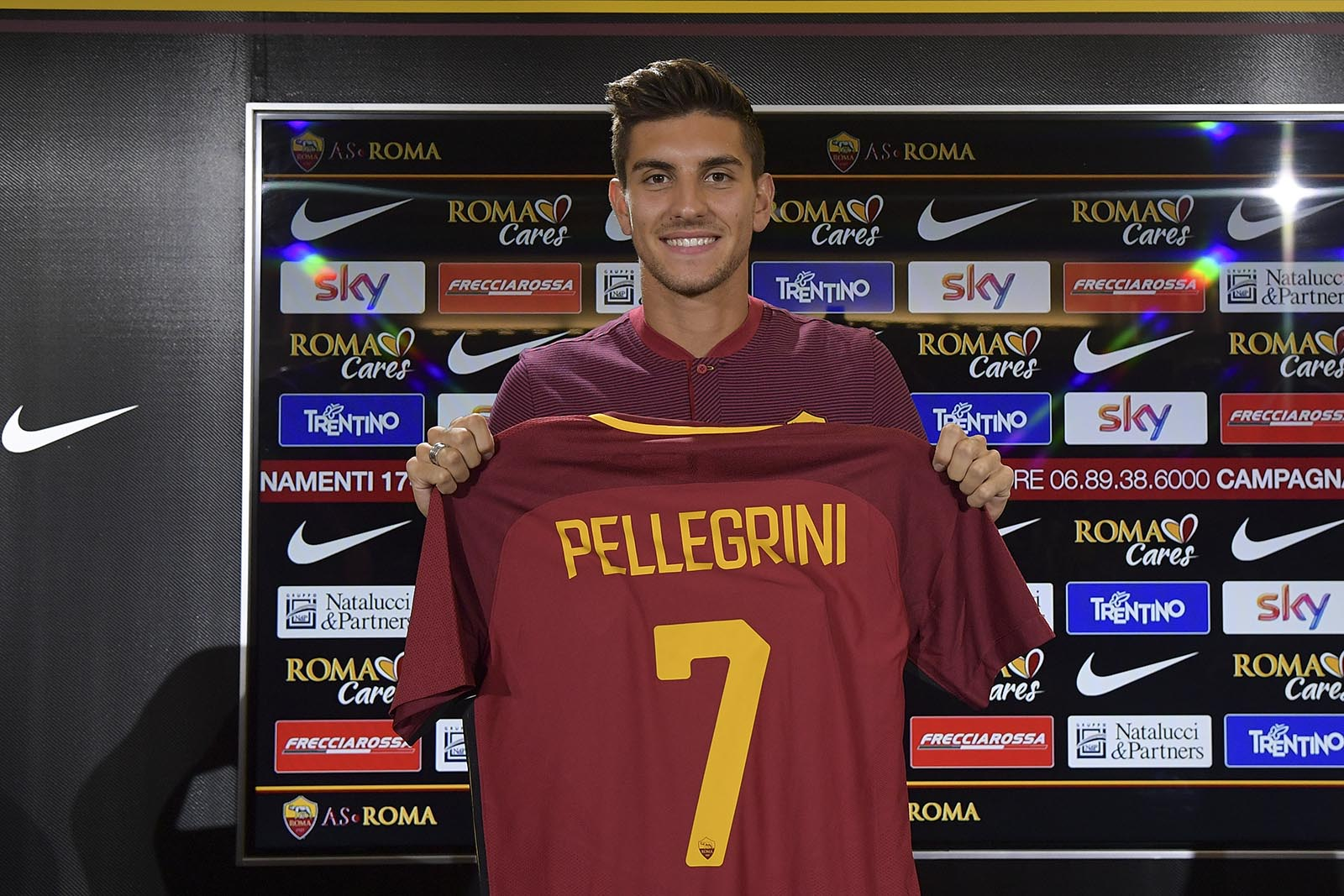 Lorenzo Pellegrini - AS Roma [image by @OfficialASRoma]