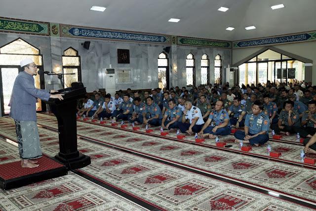 Sambut Ramadhan 1439 H, Prajurit dan PNS Mabes TNI Ikuti Ceramah Rohani