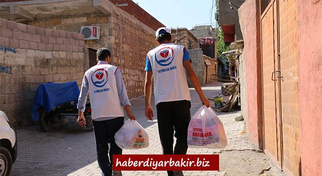 Yetimler Vakfından Ergani'de bayram öncesi gıda yardımı
