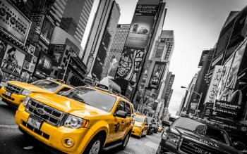 Wallpaper: Yellow cabs in New York Times Square